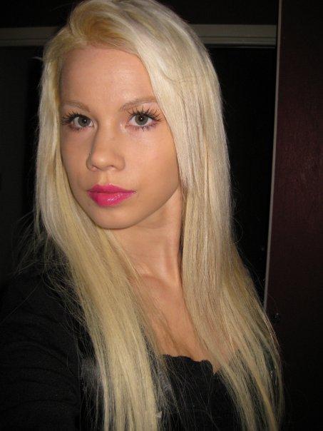Lina Holgersson Freshlook Radiance  large 1