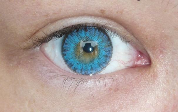 Linn Elle Freshlook Colorblends Brilliant Blue large 1
